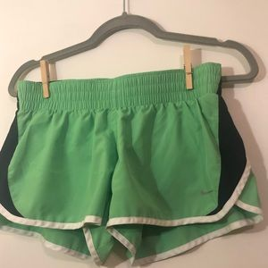 Nike Line Green Exercise Shorts Size Medium